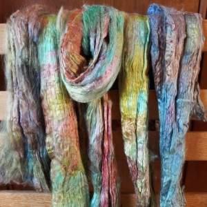 Echeveau de soie aux multiples reflets : Un matériau magique